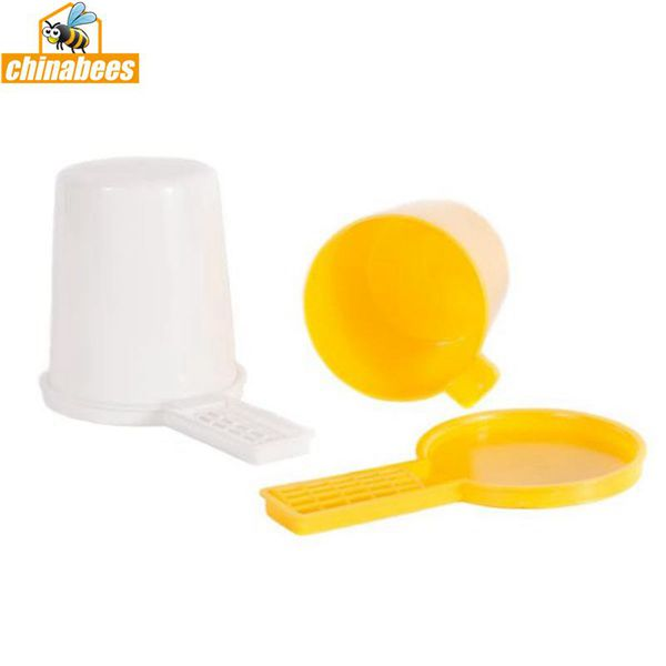 Plastic round Bee feeder